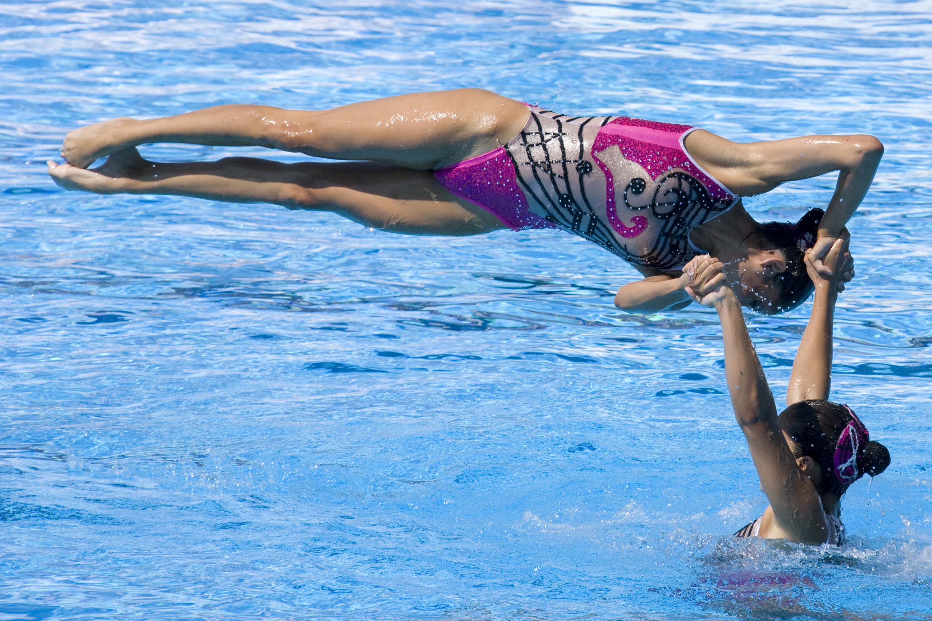 SP11 The art of synchronized swimming - 2